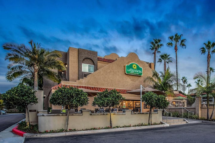 Royal Room Double Bed Non Smoking At Carlsbad - Oceanside