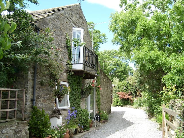 Vine Barn Bellerby Nth Yorkshire 4*Gold holidays