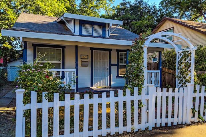 Rent a Room in a Classic Oak Park Bungalow