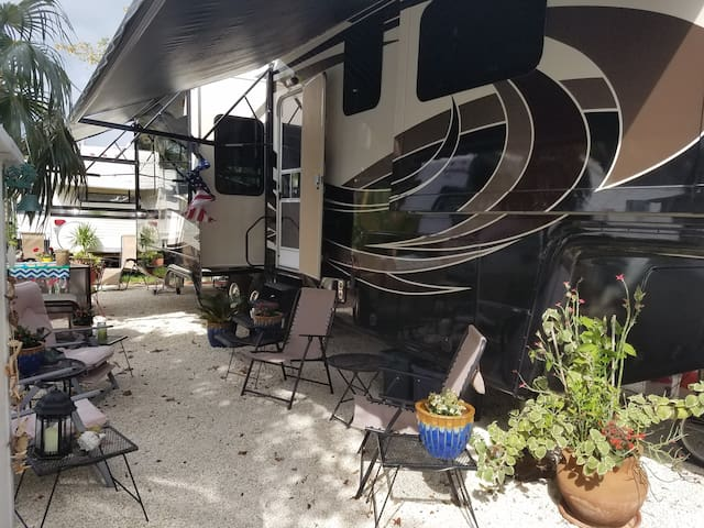 Rv lot at Big Pine Key Florida - Big Pine Key