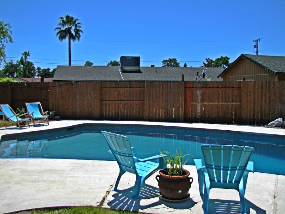 Beautiful 3 bedroom 2 bath w pool houses for rent in for Houses with 4 bedrooms and a pool