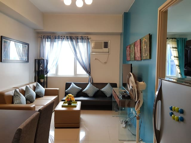 33sqm 1BR -nr Ateneo/UP; 50mbpsWifi+Cable, Clean