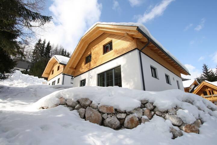 Modern Chalet near Ski Area in Bad Kleinkirchheim