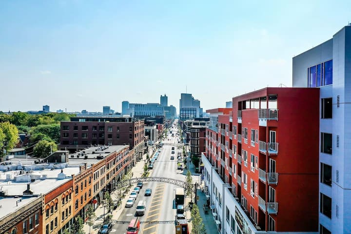 Columbus' Most Premier Located Luxurious Condo 623