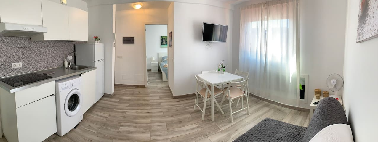 Apartment by the beach, Tenerife 3