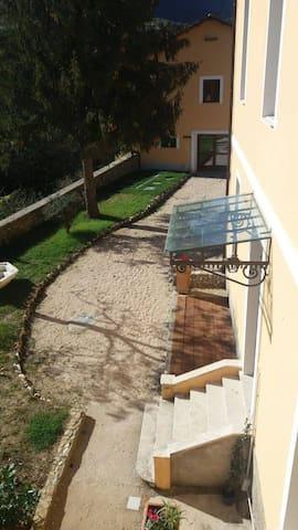 "Casa Vacanze ""La Villa"" - Morino - Дом"