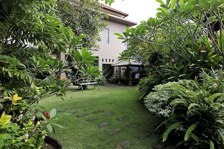Ayu Room CanangSariHomestay great for couple/solo