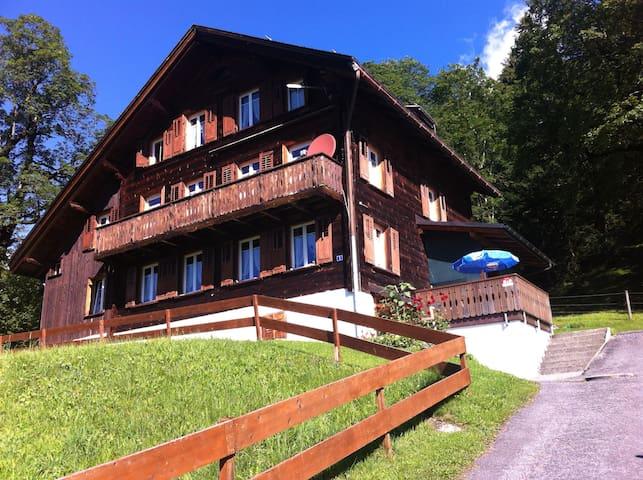 Fewo Haus Hunduren CH-Braunwald - Glarus Süd - House