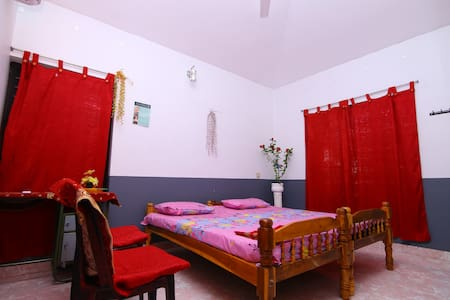 "Mariya Home Stay(""A HOME AWAY FROM HOME"") - Alappuzha - Bed & Breakfast"