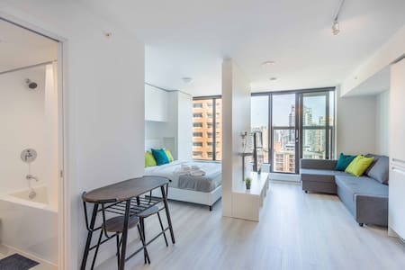 Downtown Condo+freeparking+CentralAC, sleeps 2-5