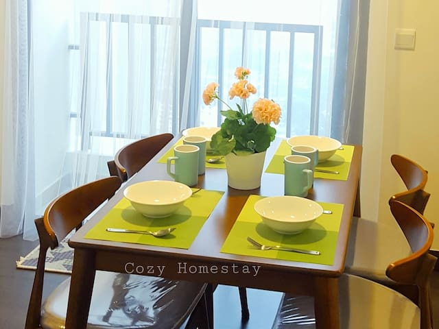 New!Cozy Homestay Swimming Pool View 吉隆坡 泳池美景 中文房东