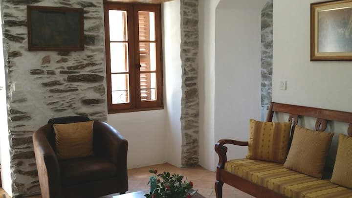 House-authenticity and comfort: heart of Corsica