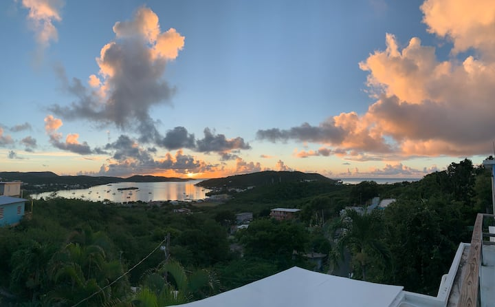 Culebra Paradise. Stunning Views and Cool Breezes.