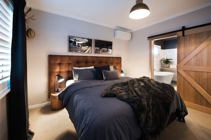 Lady Marmalade Daylesford, Luxurious Getaway - Daylesford