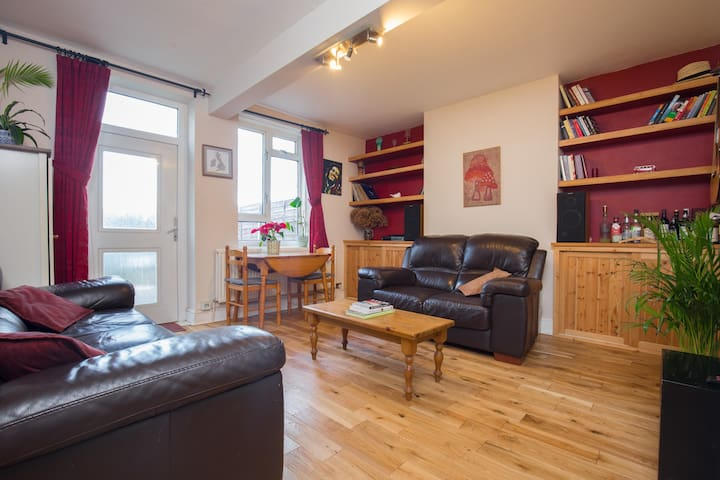 Comfy Double Room near the River Thames