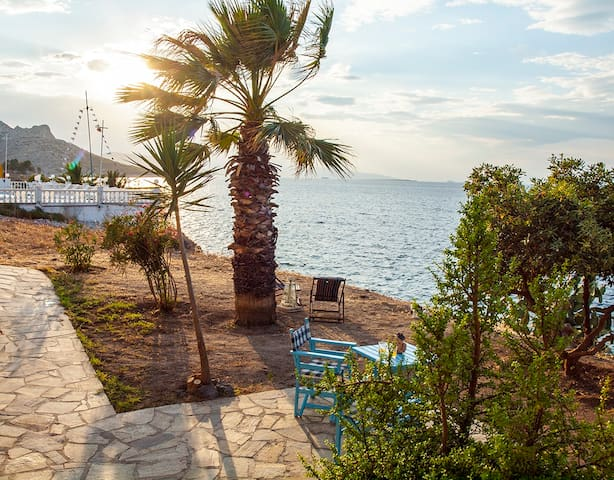 Amazing flat with garden right in front of the sea - Perdika - Flat
