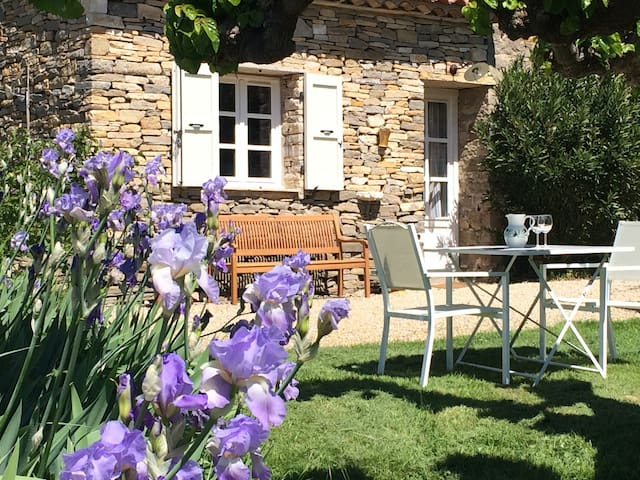 Authentic stone cottage in Southern France - Monteils - Natur lodge