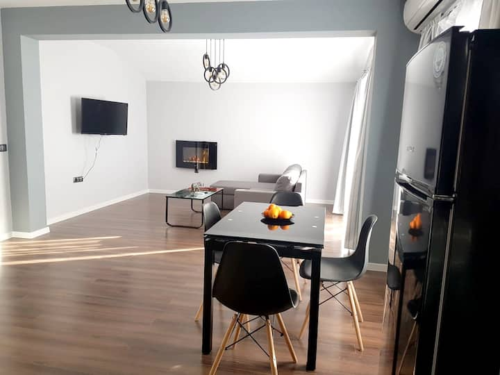 Apartment with one bedroom in Karlovo, with wonderful city view, terrace and WiFi