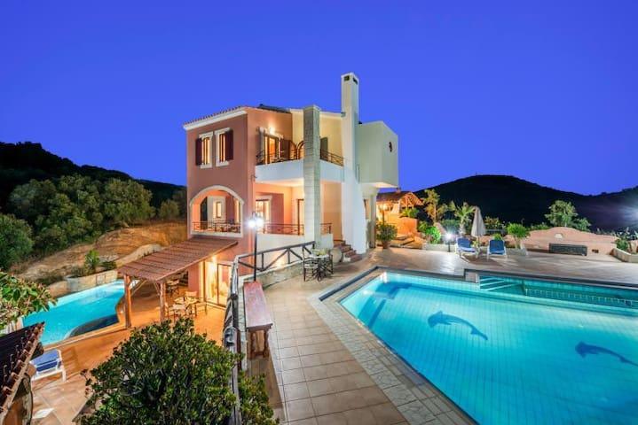John A-B Villa, Stalos Chania Crete - Stalos - Villa