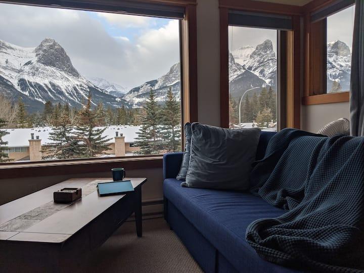 Cozy Condo, Great Location, Amazing Views