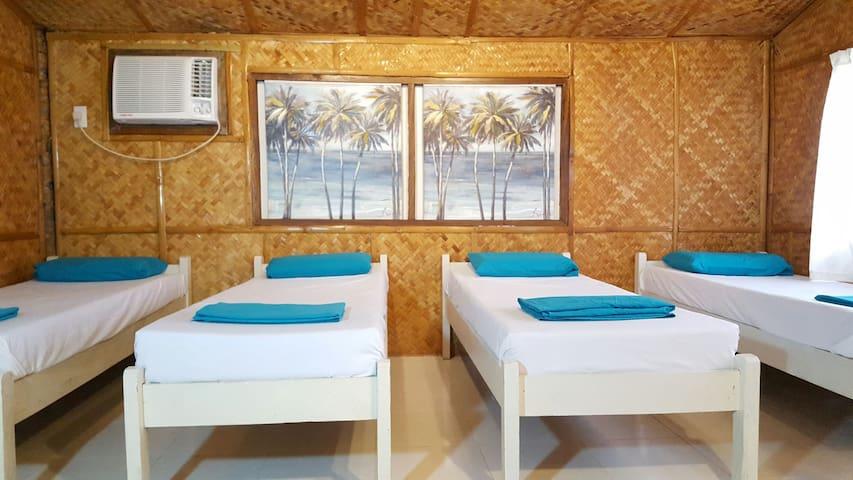 Native Quadruple Room☆Samal island - Island Garden City of Samal - Bed & Breakfast