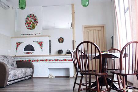 Сдам двух комнатный коттедж - Дніпро́