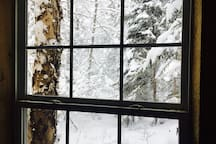 Snowstorms make for the best cottage-in-the-woods weather.