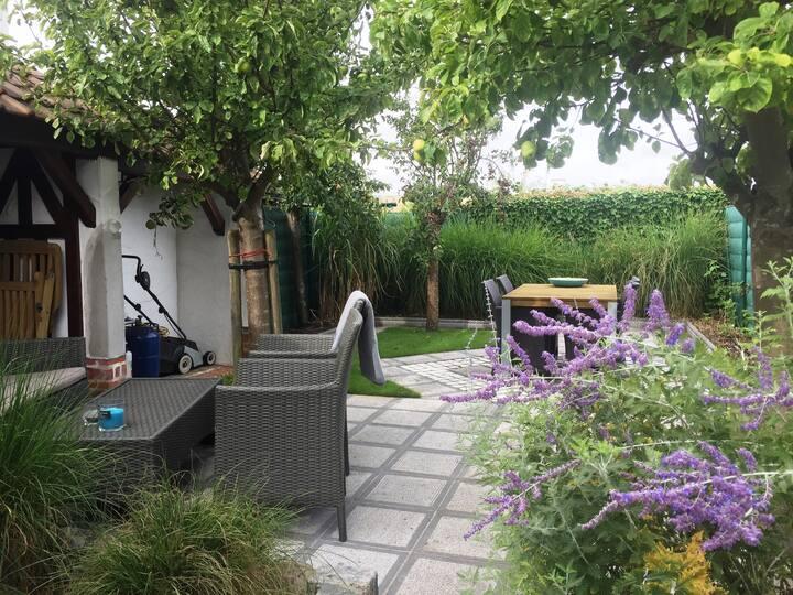 Gezellig huis met tuin in oud-Knokke,2slaapkamers