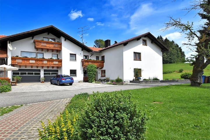 Cozy Apartment in  Sonnen Bavaria near Forest