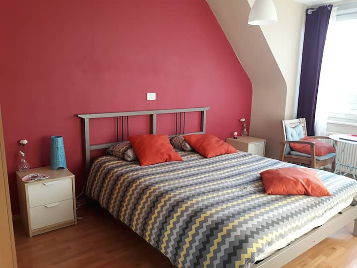 Bright room in house (15min Grande place Brussels