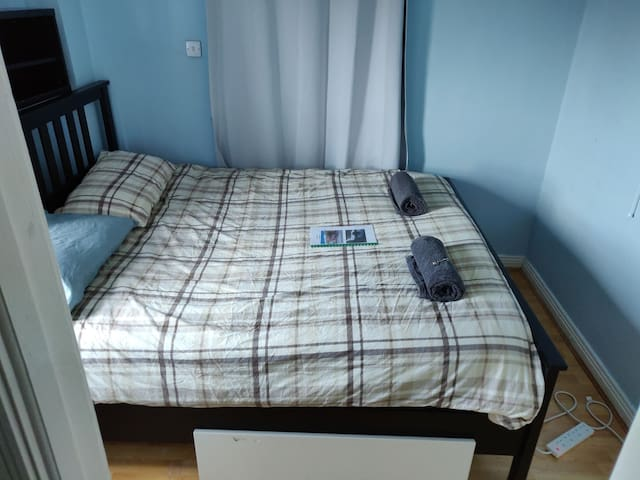 King Size Bed, Central quiet , Modern Apartment