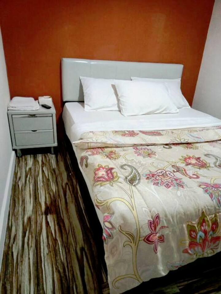 Queen's Room On Kluang Best deal!!