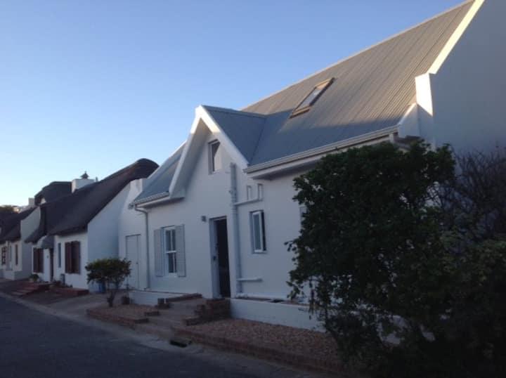 Still Bay Holiday House Close To River Sleeps 8