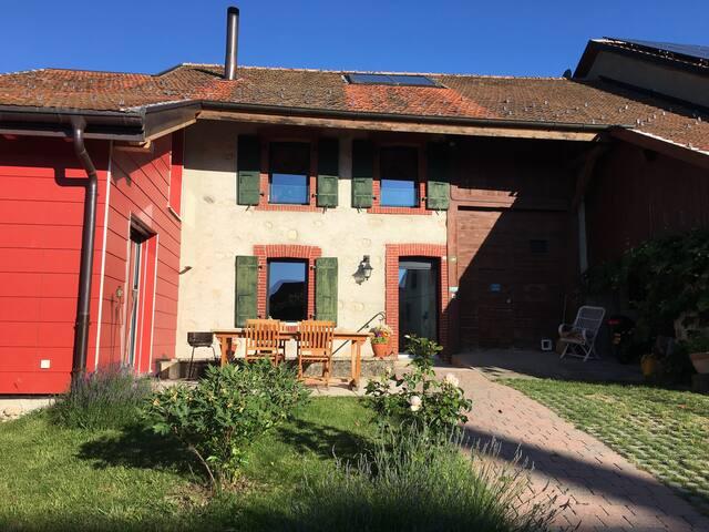 Maison villageoise à la campagne