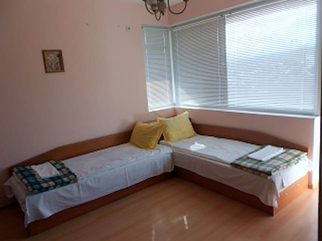 Guest room in the house 4 - Gabrovo - Casa