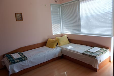 Guest room in the house 4 - Gabrovo - Dom