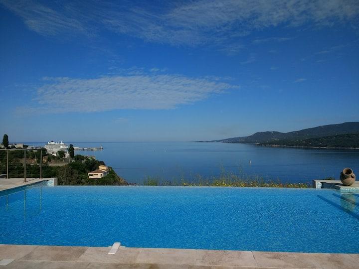 T3 (bas de villa) - Vue Mer, Piscine à débordement