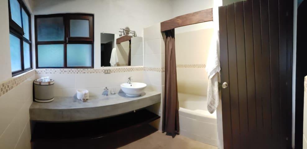Baño cuarto master