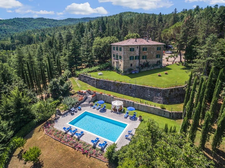 Palazzo Rosadi - Luxury Villa Rental with private swimming pool in Monterchi, Tuscany