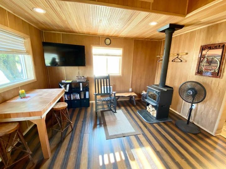 Cozy Log Cabin in Ukiah