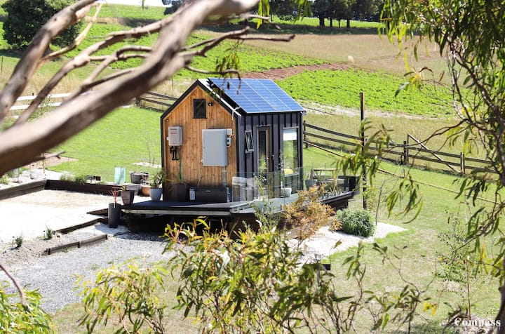 Off-Grid Tiny House · Off-grid Modern Tiny House