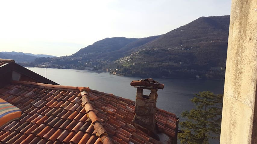Sweet home on the Lake of Como - Blevio - Hus