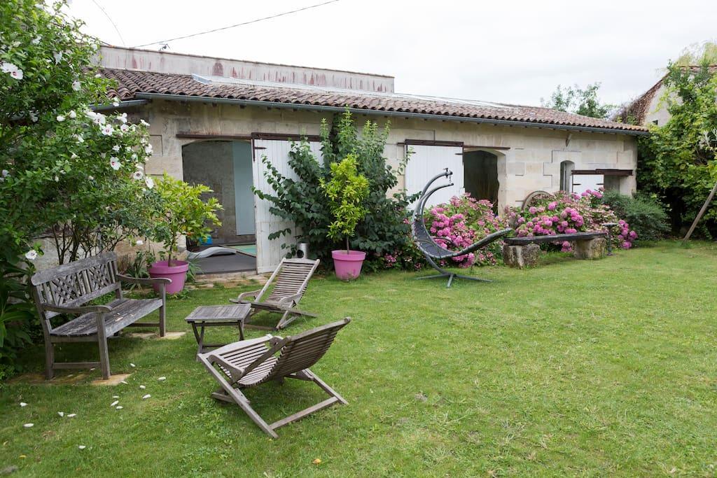 long re de charme avec jardin et piscine 15 pers houses