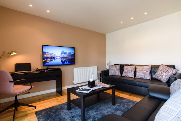 Spacious 2 Bd Apt | Quiet Conservation Area | Full Sports & Movies TV