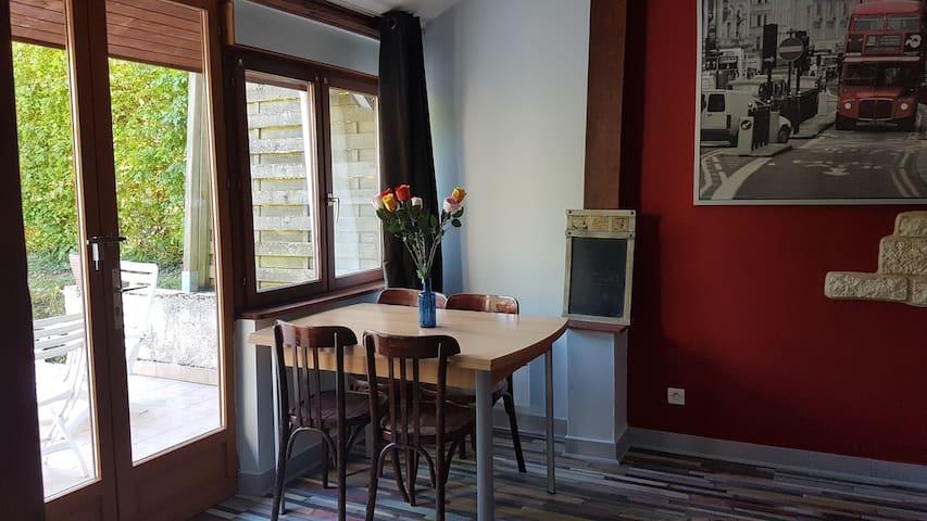 2/3 pièces avec terrasse, en rez de jardin - Germaine - Flat