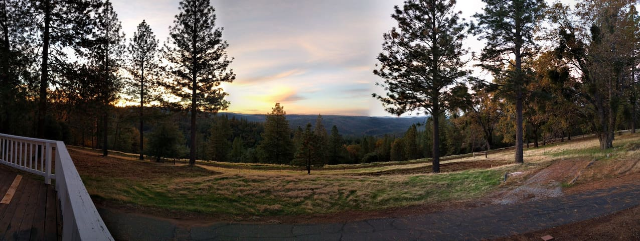 Stunning view at 39 acre Ranch in Gold Country - Volcano - House