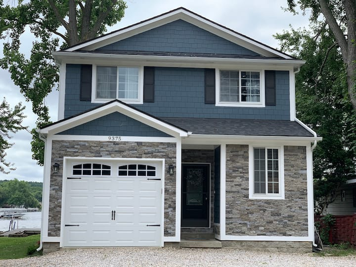 Spacious Home on Portage Lake