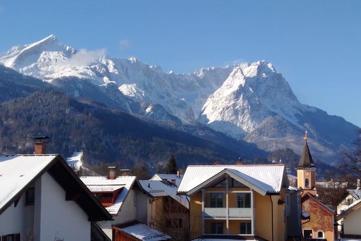 Central, quiet and with unforgettable views - Garmisch-Partenkirchen - อพาร์ทเมนท์