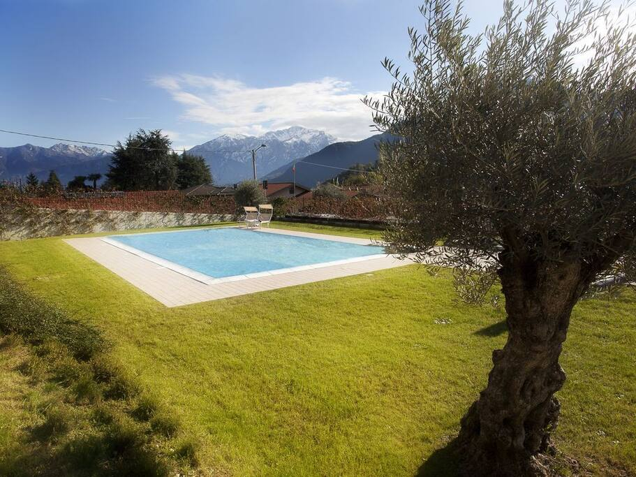 Lenno Terraze Spese –Our apartment located next to the pool!