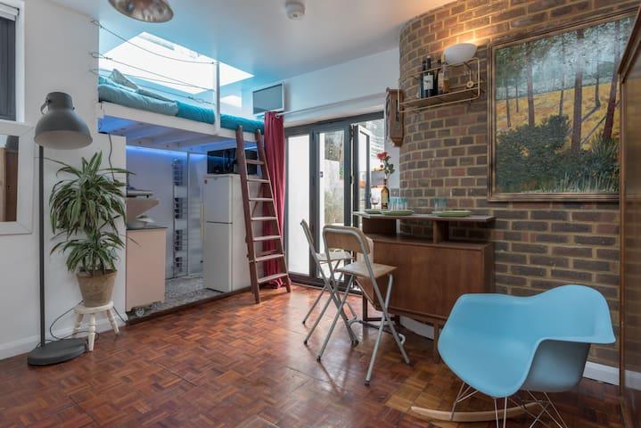 Findon Spa East Brighton Studio 54 - free parking